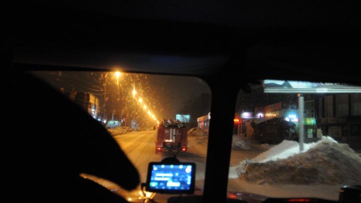 На трассе под Новосибирском полностью выгорел внедорожник