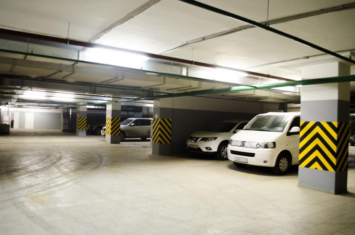 Чтобы долго не греть: подборка домов с подземной парковкой
