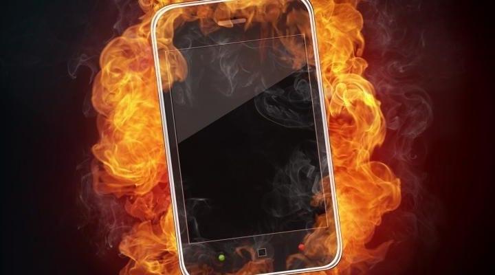 Новосибирцы завалили ремонтные сервисы перегревшимися на солнце телефонами