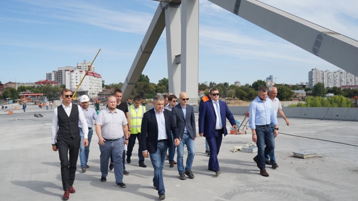 Завершили бетонирование, возводят развязки: строительство Фрунзенского моста подошло к концу