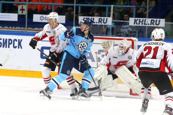 На матче между «Сибирью» и «Авангардом» 10 сентября