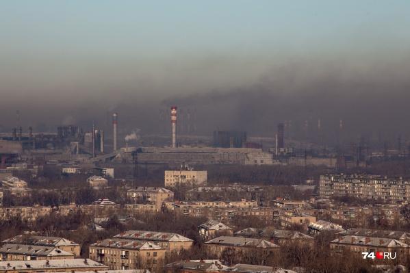 Такой вид на город открывается на высоте 100 метров из окна ресторана на 27-м этаже Гранд-отеля «Видгоф»