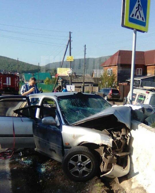 ВКрасноярском крае пьяные подростки разбились наавтомобиле