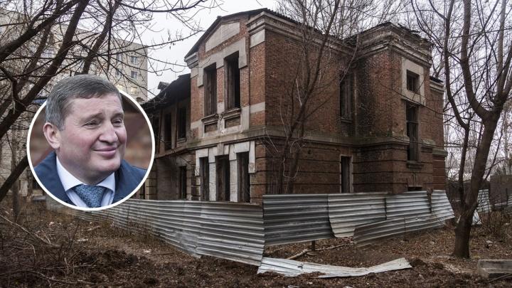 «Это глупость несусветная»: Андрей Бочаров захотел решать судьбу памятников вместо правительства