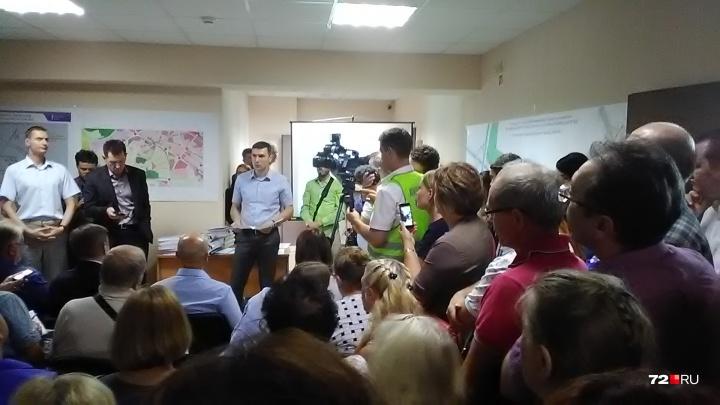 Развязка будет, но без съезда к коттеджам: жители Комарова выступили против стройки