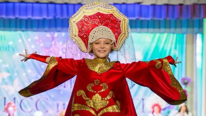 Две девочки поехали представлять Красноярск на конкурсе красоты «Мини мисс Россия 2018»
