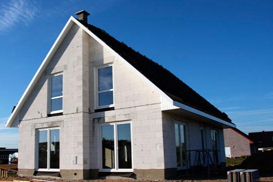 Исследование: из чего построить дом, чтобы не отапливать улицу