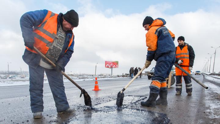 8 дорог залатают в трех районах Волгограда: рассказываем, где, почем и как