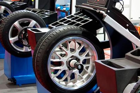 VRRUM быстро и профессионально «переобует» любое авто