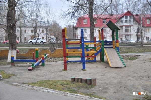 Жители должны сами придумать, где будут урны, скамейки и парковки