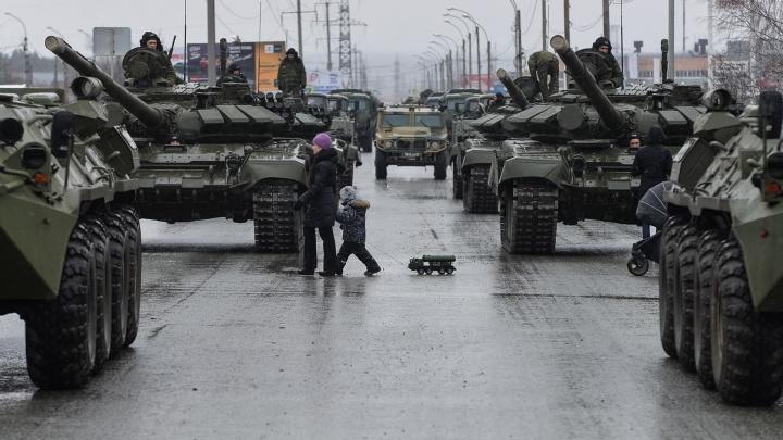Не пугайтесь! В среду на улицы Вторчермета выедут танки