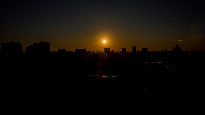 Без света осталось больше 200 домов в Дзержинском районе