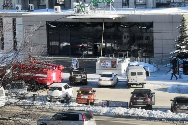 Волна январских эвакуаций началась с Магнитогорска, где силовикам пришлось проверять в том числе торговые центры