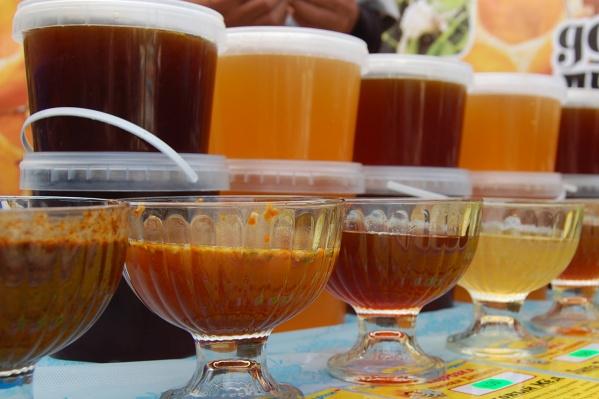 Властям понадобились подарочные наборы с четырьмя видами мёда