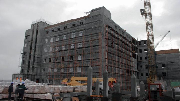 Чиновника поймали на крупной взятке при строительстве перинатального центра в Норильске