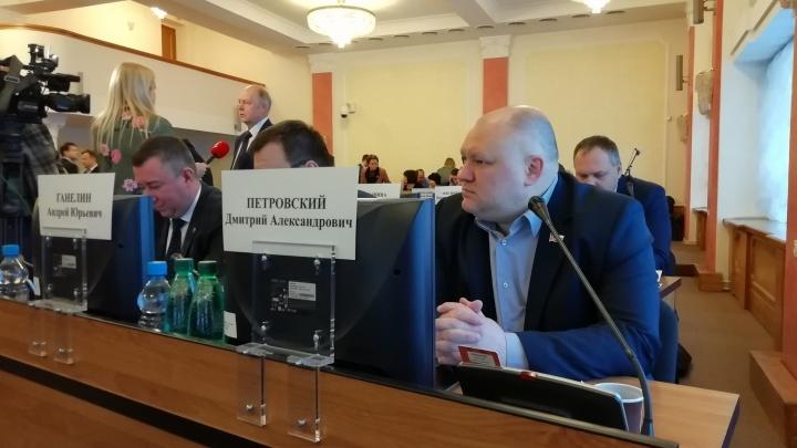 Ярославский депутат вызвал на баттл звезду Black Star Мота, зачитав рэп на заседании. Видео
