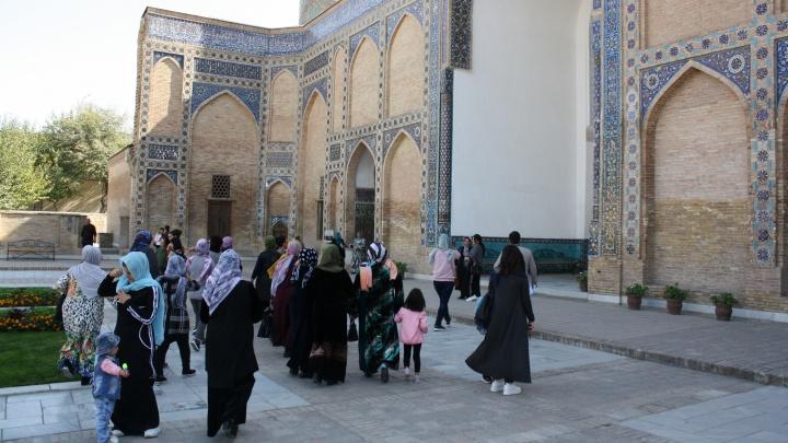 Там выращивают цветы и любят котиков: уральский взгляд на жизнь в Узбекистане