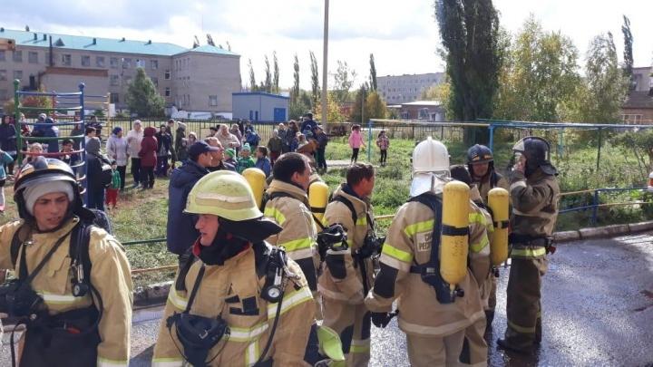 В Башкирии из-за пожара в общежитии эвакуировали 53 человека: есть погибшие