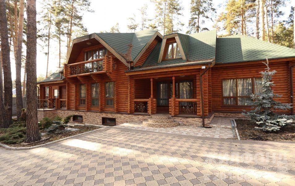 Дома в русском стиле стали чаще попадать на рынок