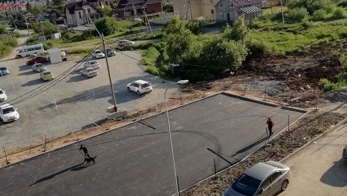 «Забрали единственную дорогу»: в Екатеринбурге разгорелся конфликт между жильцами и застройщиком