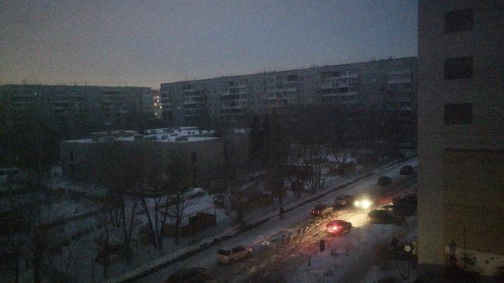 Жители улицы 10 лет Октября на полтора часа остались без света