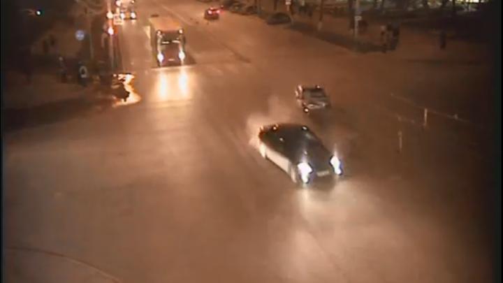 В Сети появилось видео аварии, которую устроила пермячка без прав