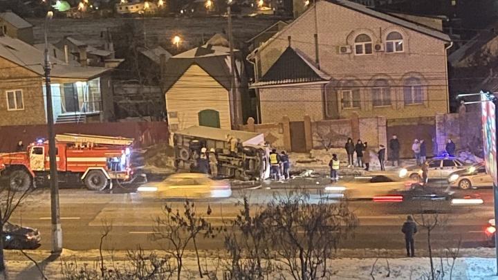 В Волгограде водитель умер за рулем грузовика
