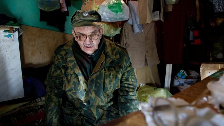 «Живу со справкой о собственной смерти»: бывший офицер 20 лет скитается по Волгограду