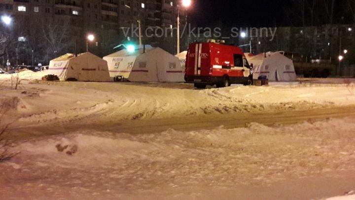 Спасатели разбили палаточный городок у роддома в «Солнечном». Что происходит?