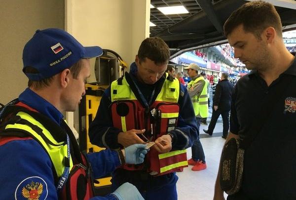 Красноярские врачи вернулись с мундиаля, куда ездили помогать футболистам и болельщикам