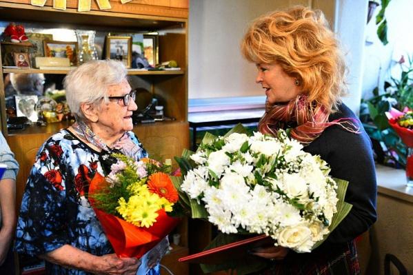 Долгих лет жизни, Клавдия Михайловна!