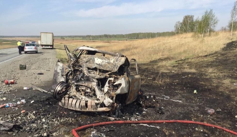 Авария с четырьмя погибшими произошла на трассе возле Копейска утром 8 мая