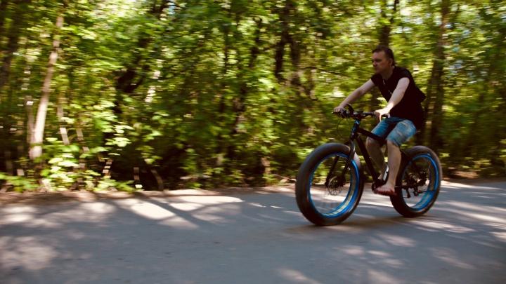 Врывайся в лето: где в Челябинске можно взять напрокат велосипеды, ролики и самокаты