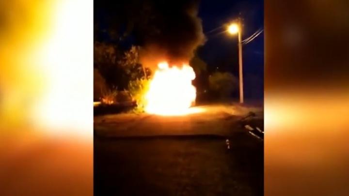 «Сейчас бак шарахнет»: в Верхней Пышме сгорело такси