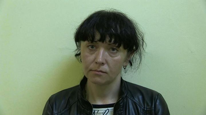 В Екатеринбурге поймали воровку, которая стащила у пассажирки кошелёк в автобусе