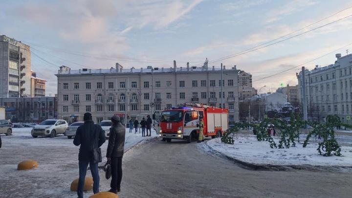 К «Высоцкому» стянули пожарные машины: что там произошло