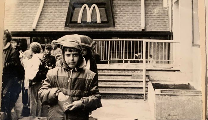 «Я забрал всё: трубочки, салфетки»: ресторатор рассказал про очереди в первом «Макдоналдсе» в Москве