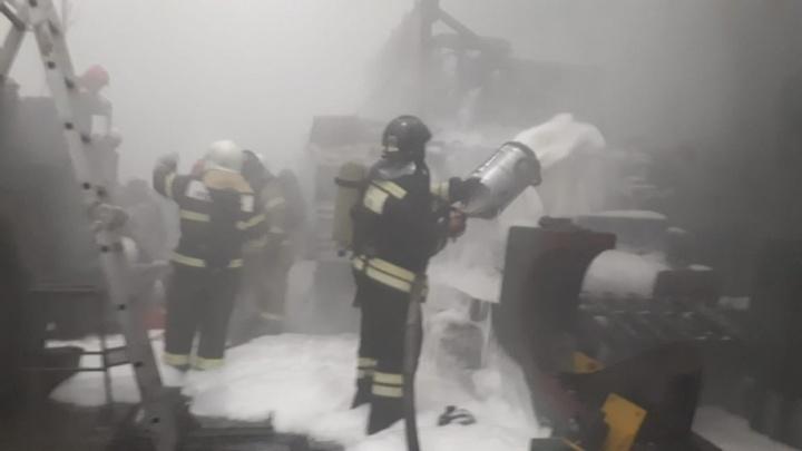 «Ни фига отремонтировали»: начало пожара на заводе«ВИЗ-Сталь» попало на видео
