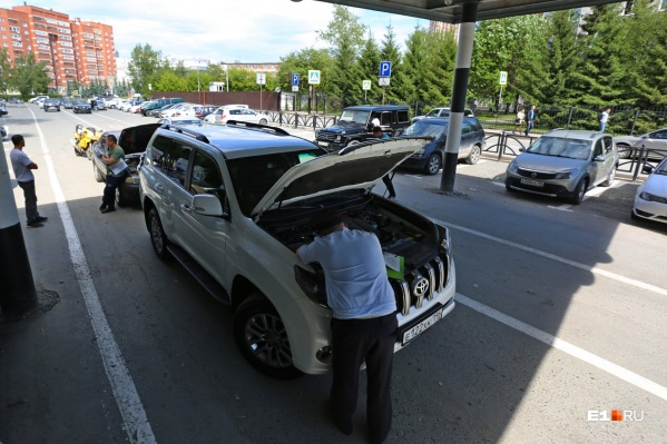 Поиск серийного номера двигателя в некоторых автомобилях превращается в квест