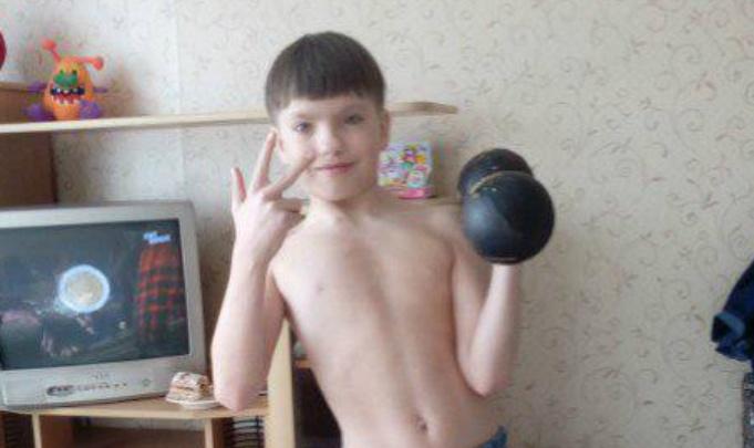 10-летний школьник из Ярославля стал тягать гири, насмотревшись на мэра Слепцова