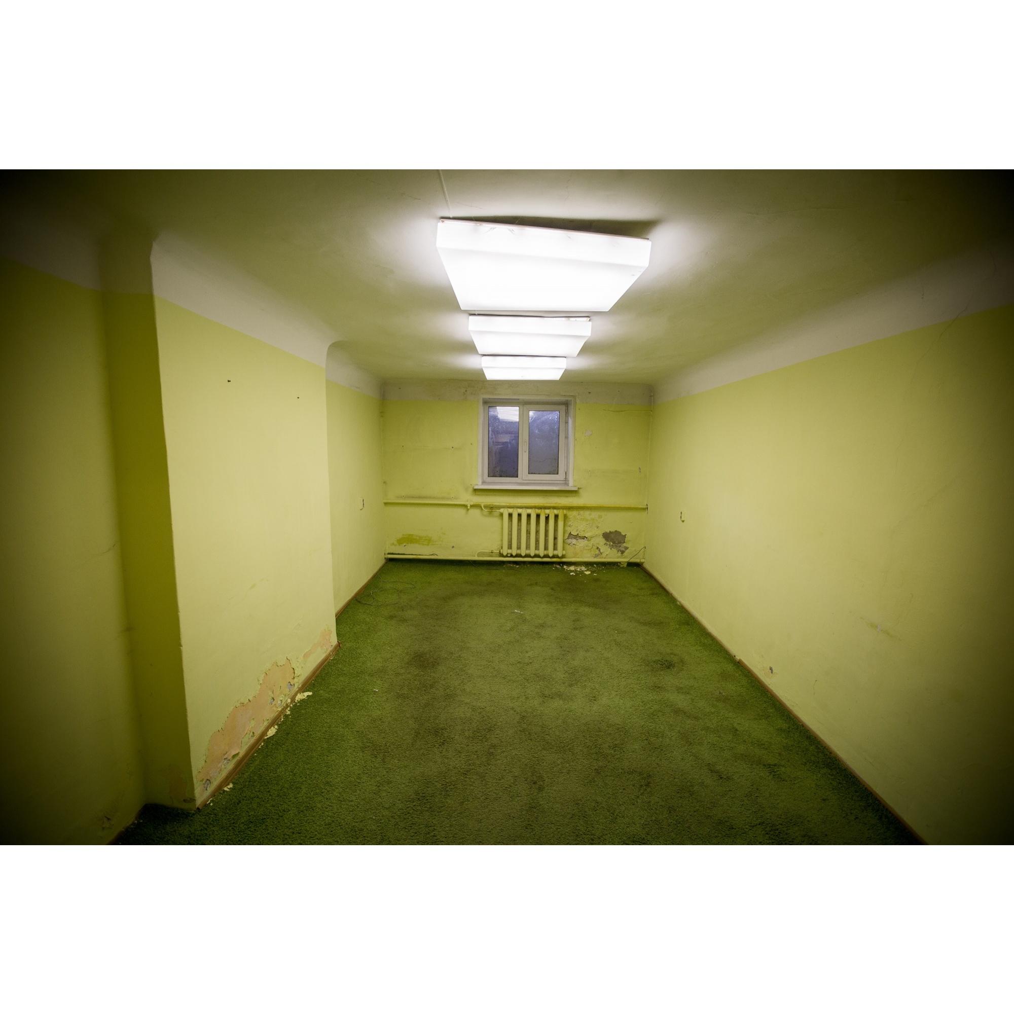Одна из комнат помещения, в котором планируется открыть музей конструктивизма —более 80 лет назад здесь была жилконтора дома