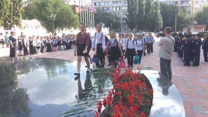 Возложение цветов и почётный караул: в Самаре почтили память 314 погибших в Беслане