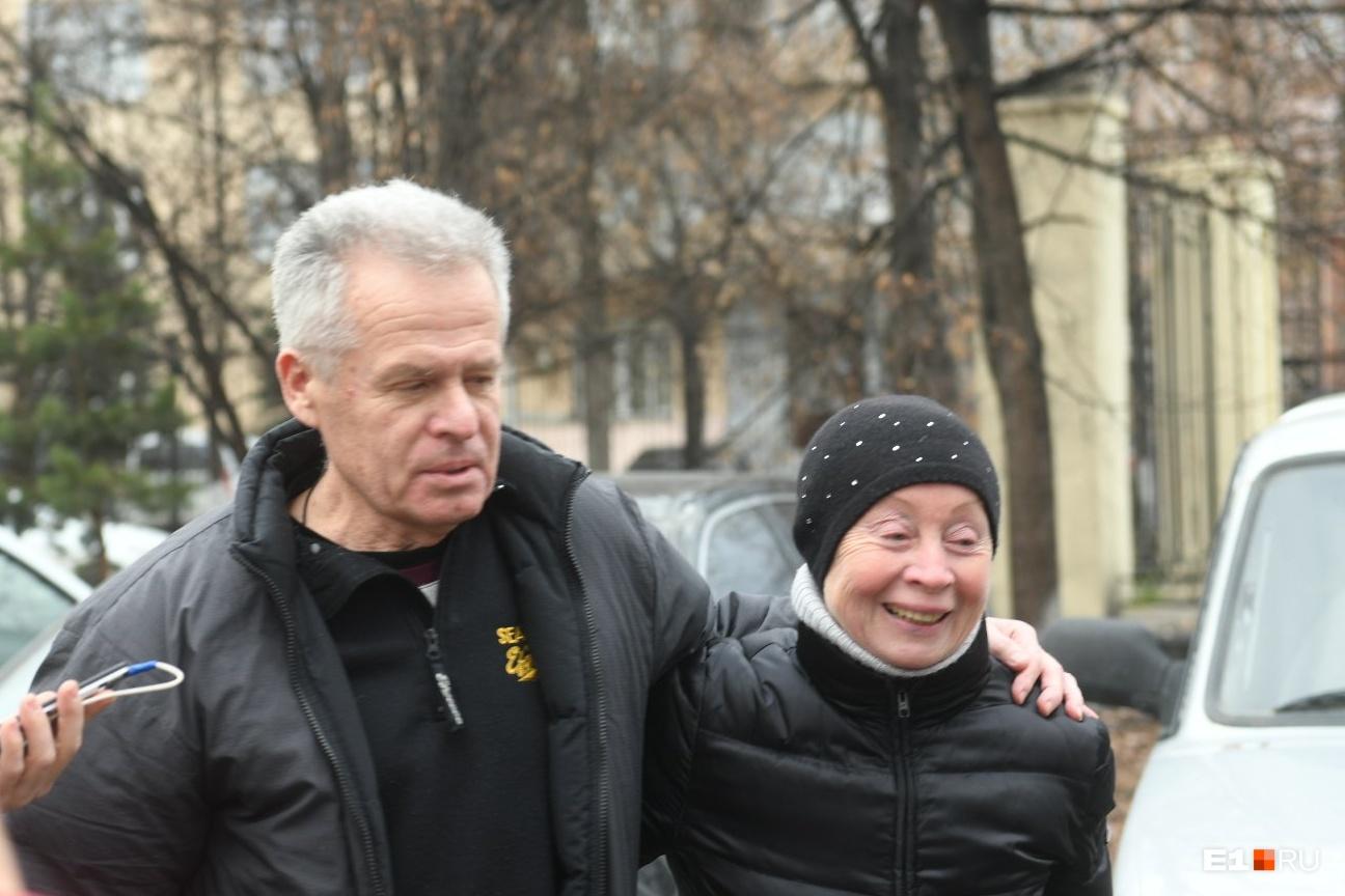 Михаил и Валентина Астаховы поблагодарили всех, кто их поддерживал
