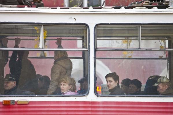 Трамваи не будут ходить в Калининский район с вечера пятницы до утра понедельника