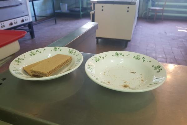 Проверка коснулась не только продуктов, но и посуды, в которой подают еду детям