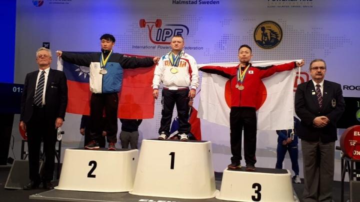Новосибирец установил два рекорда и стал чемпионом мира по пауэрлифтингу в 13-й раз