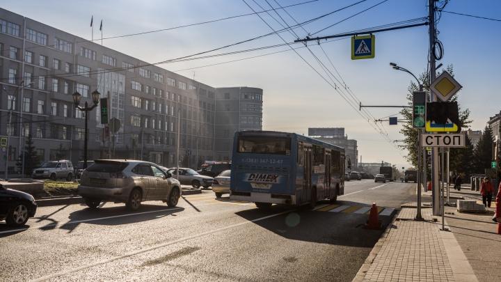 На Красном проспекте поставили новые светофоры