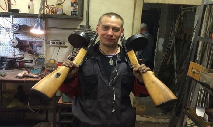 По словам Булатова, полиция подключила к делу психологов