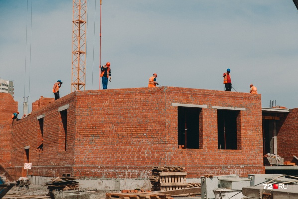 В Тюменской области в новом году планируют начать строительство 10 школ и 19 детских садов