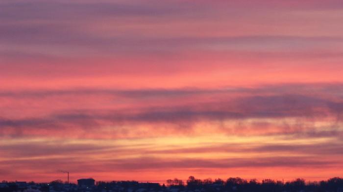 Восход солнца состоялся сегодня в 9:52